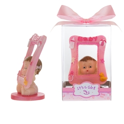 Mega Favors - Baby Holding Picture Frame Poly Resin in Gift Box - Pink