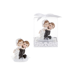 Mega Favors - Baby Wedding Couple Piggyback Ride Poly Resin in Gift Box - White